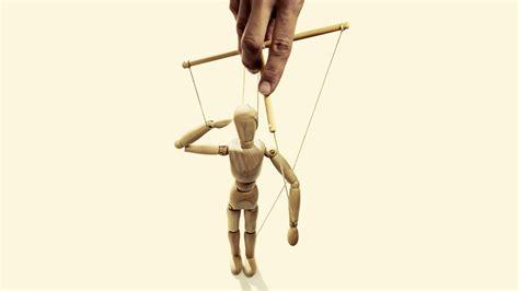 Facebook-klokkenluider Francis Haugen: held of marionet?